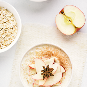 Apple, Dates & Organic Rolled Oats